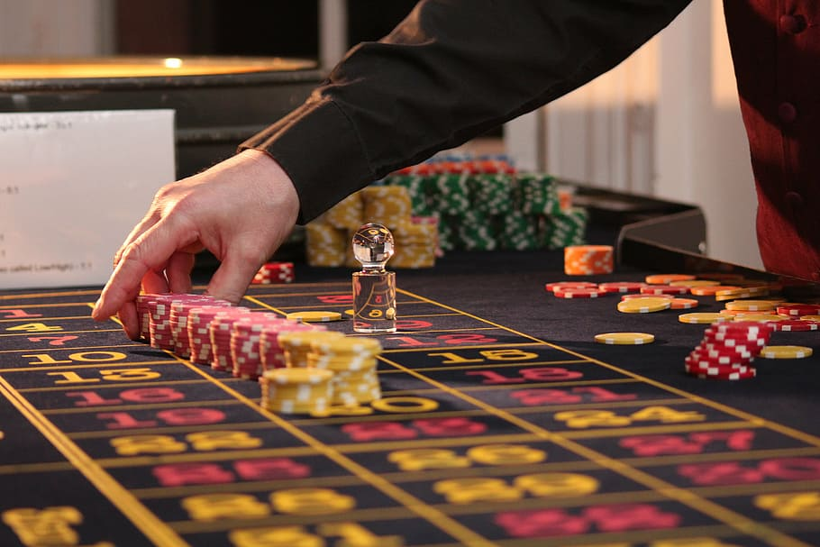 What Everyone Ought To Learn About Casino Poker Tips
